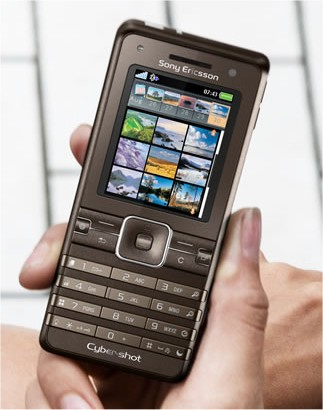 Sony Ericsson K770 Cyber-shot slim mobile phone with a 3.2 megapixel camera