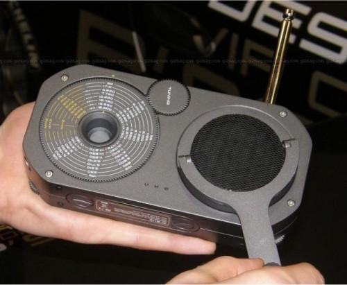 Porsche P'9110 emergency crank radio