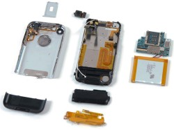 Environmental activists threatening suit over toxic materials in iPhone