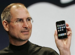 AT&T CEO says Apple's iPhone data downloads will be faster on a 3G network sometime next year