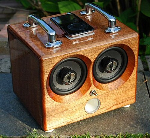 The Thodio Box iPod Dock
