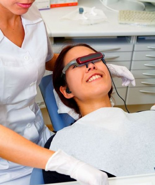 Visor promises pain-free dental work