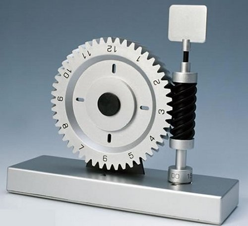 Industrial style gear clock