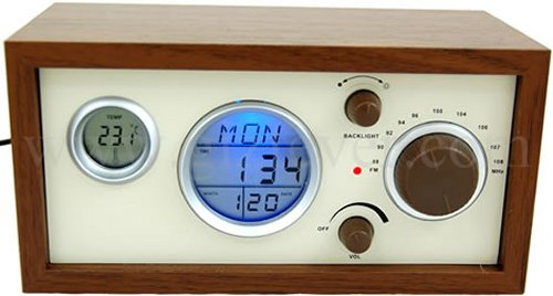 Wooden USB clock radio is easy on the eyes