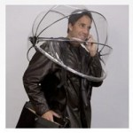 Hands-free umbrella will keep you dry
