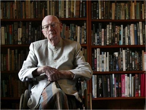 Arthur C. Clarke dies at 90 years old in Sri Lanka