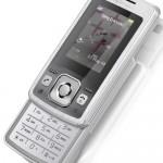 Sony Ericsson's petite T303 slider