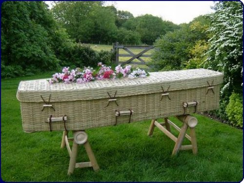 Ecoffins let you die green, look like wicker