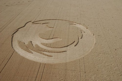 Mysterious Firefox crop circle appears