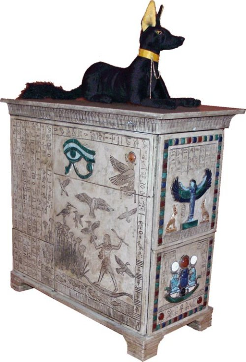 Holy Hieroglyphics: Stunning Egyptian case mod