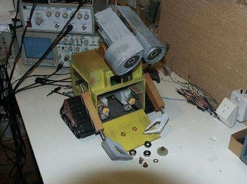 Build your own Wall-E robot with storage compartment
