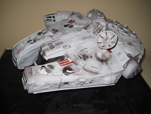 Millennium Falcon cake