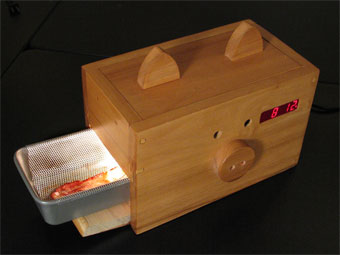 Wake n' Bacon alarm clock and heart attack in one unit