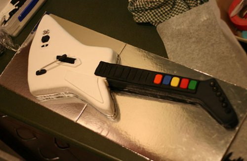 Guitar Hero cake rocks the bakery