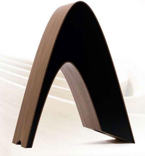 'Rithm' speaker is a beautiful Star Trek symbol