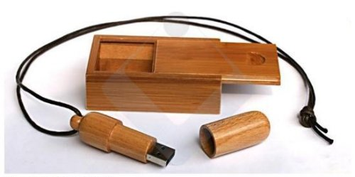 Woody Bamboo, an eco-friendly USB flash drive with style