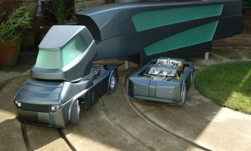 Blade Runner rides the rails & roads of the future