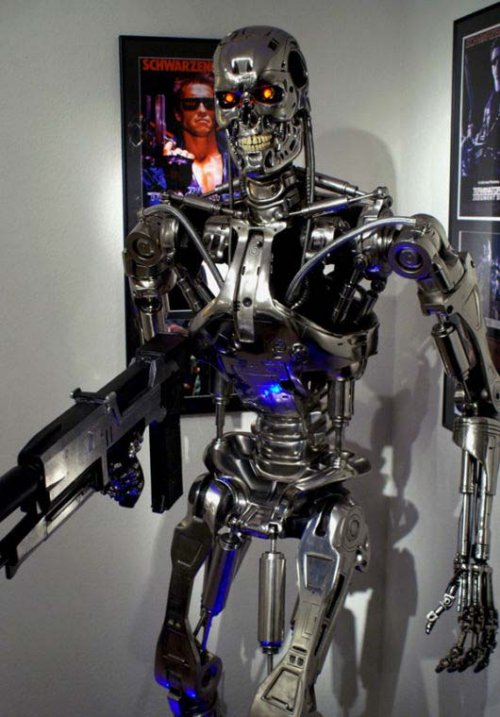 Terminator Endoskeleton on Ebay speeds up Judgment Day