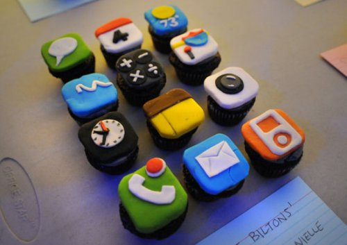 iPhone cupcakes. Hey, they're cakes.