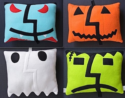 Scary OS X Mac-o-Lantern pillows