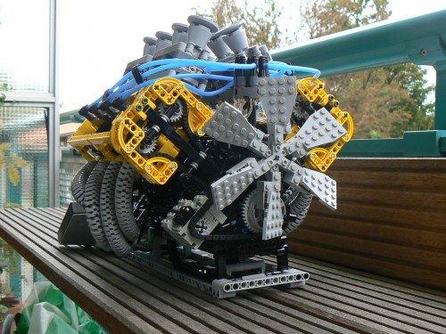 Working LEGO V8 engine - SlipperyBrick.com