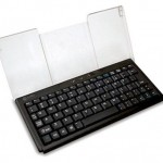BTKeyMini Bluetooth keyboard for iPhone typing