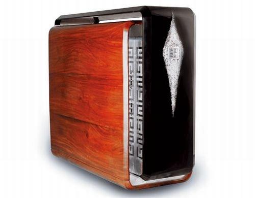 Eazo Z70 Exterior PC sports a wood finish