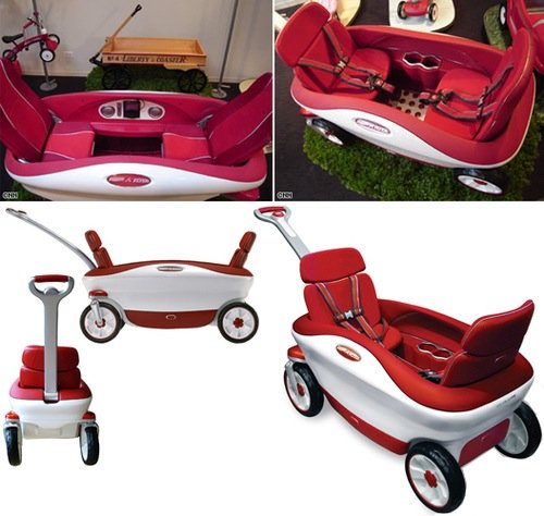 Radio Flyer Cloud 9 Wagon with MP3 player and bucket seats