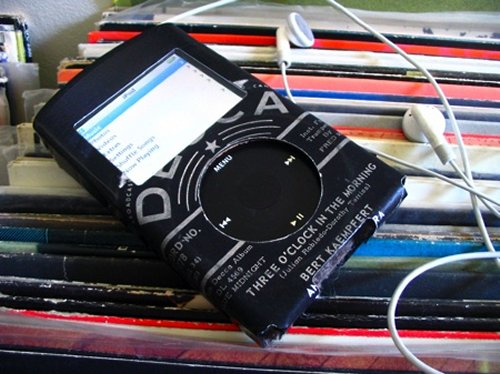 iPod Cases made from old 45 RPM records