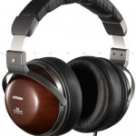 JVC's HP-DX700 wooden headphones