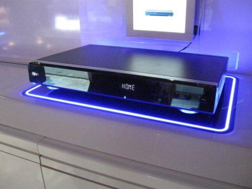LG BD390 Blu-Ray player with Wi-Fi