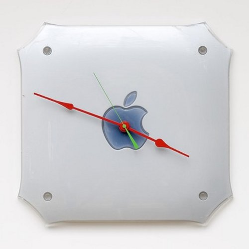 Apple Clock made from Mac G4 side panel