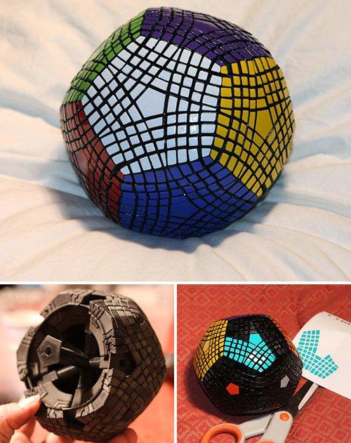 Если сложить классический Кубик Рубика для вас не проблема, попробуйте этот монструозный кубик под названием...