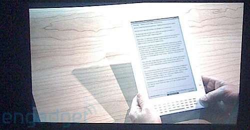 Amazon Kindle DX to feature 9.7-inch display