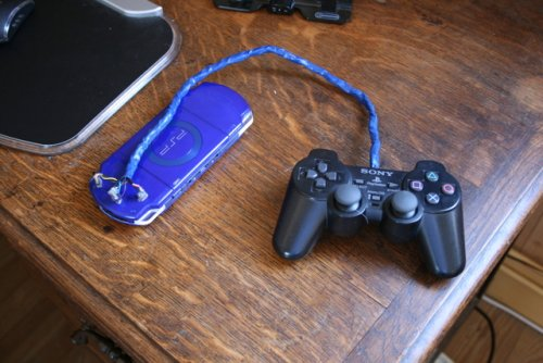 Modder hacks PSP for DualShock 2 control