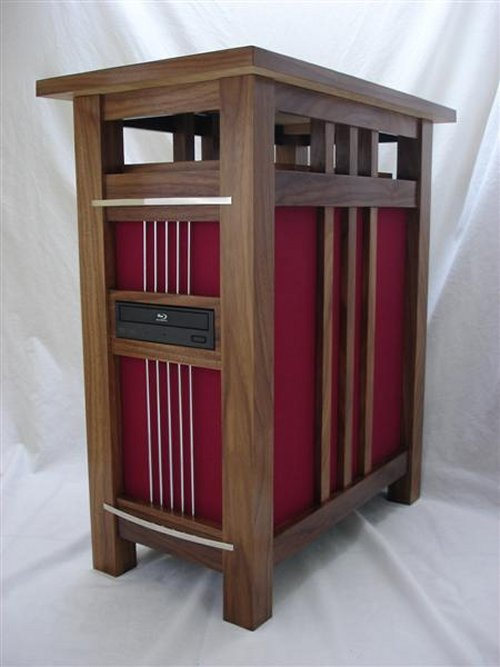 Jeffrey Stephenson's retro side table/computer system