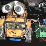 Mail E: Papercraft Wall-E checks your email