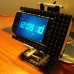 Swiveling DIY Lego iPhone dock