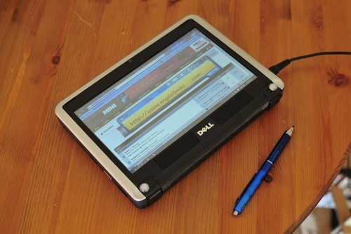 Dell Mini 9 Netbook converted into an Internet Tablet