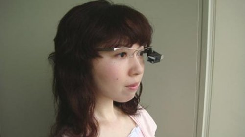 Translator glasses: See what other people are saying