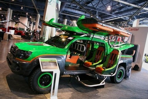 Toyota&#039;s Gullwing Door XBOX Halo Warthog Concept
