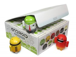 Dyzplastic's Android figurines