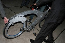Yale students invent Spokeless Bicycle Wheel