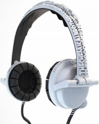 Street Headphones let you customize text on the headband