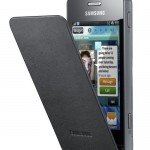 Samsung Wave 723 sports Bada, built-in leather flip cover