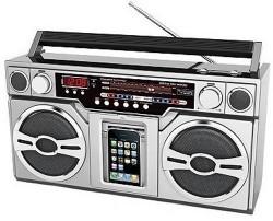 Retro iPod/iPhone Boombox