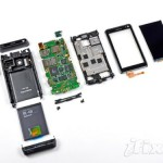 Nokia N8 gets torn apart