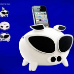 Cool iPig Motion-Sensing iPhone, iPod Speaker Dock