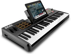 iPad hooks up with Akai's new SynthStation49 keyboard