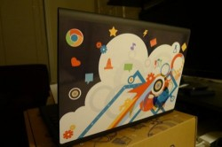 Google's Cr-48 Chrome notebook now ships with stickers